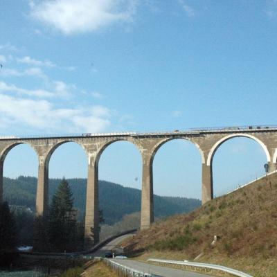Chambres d'Hôtes La Hulotte à Villechenève Rhône :                                      Randonneurs, près de La Hulotte : Le Pont Marteau va revivre !
